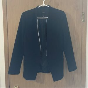 Size Small Forever 21 Black and white blazer
